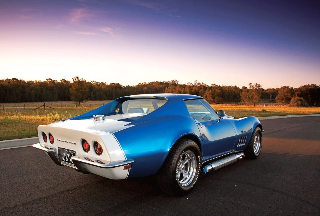 Cars 1969 Chevrolet Corvette Stingray Wallpaper