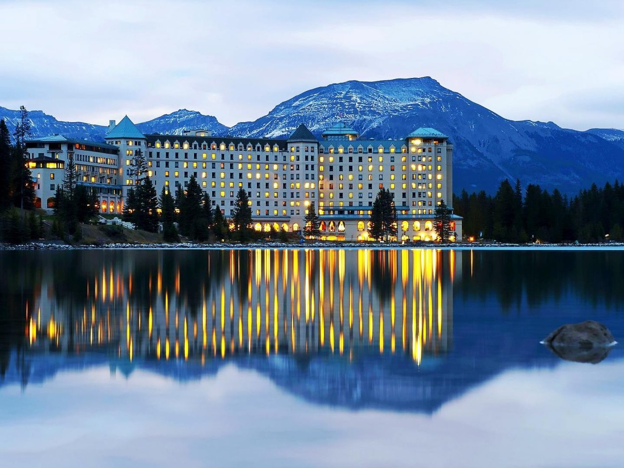 fairmont chateau lake louise Fairmont chateau lake louise, lake louise, ab 57,417 likes 2,656 talking about this 242,273 were here fairmont chateau lake louise ~ step into our.