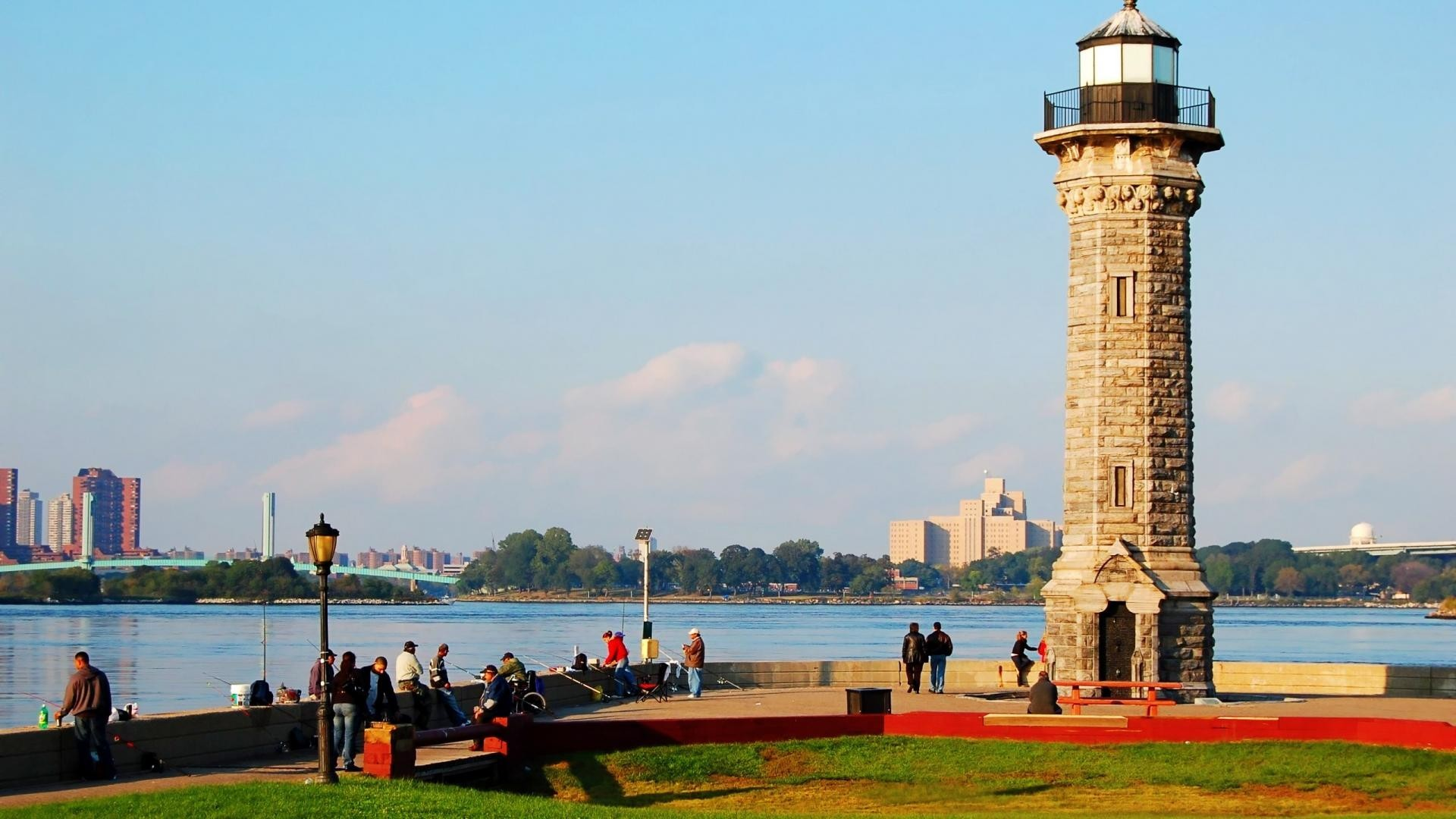 Roosevelt Island Lighthouse In Nyc Wallpaper