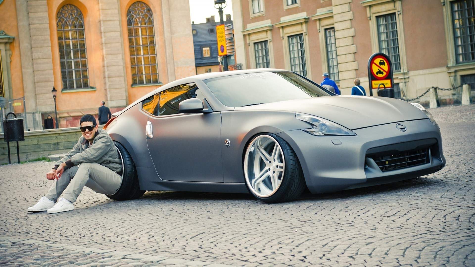 Nissan z roadster UK version Vehicle HD Wallpaper for iPhone