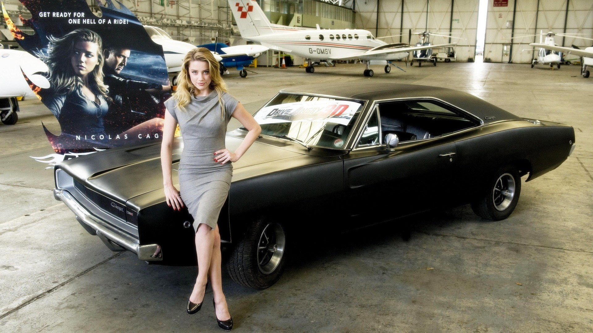 Amber Heard Dodge Charger Drive Angry Actress Wallpaper