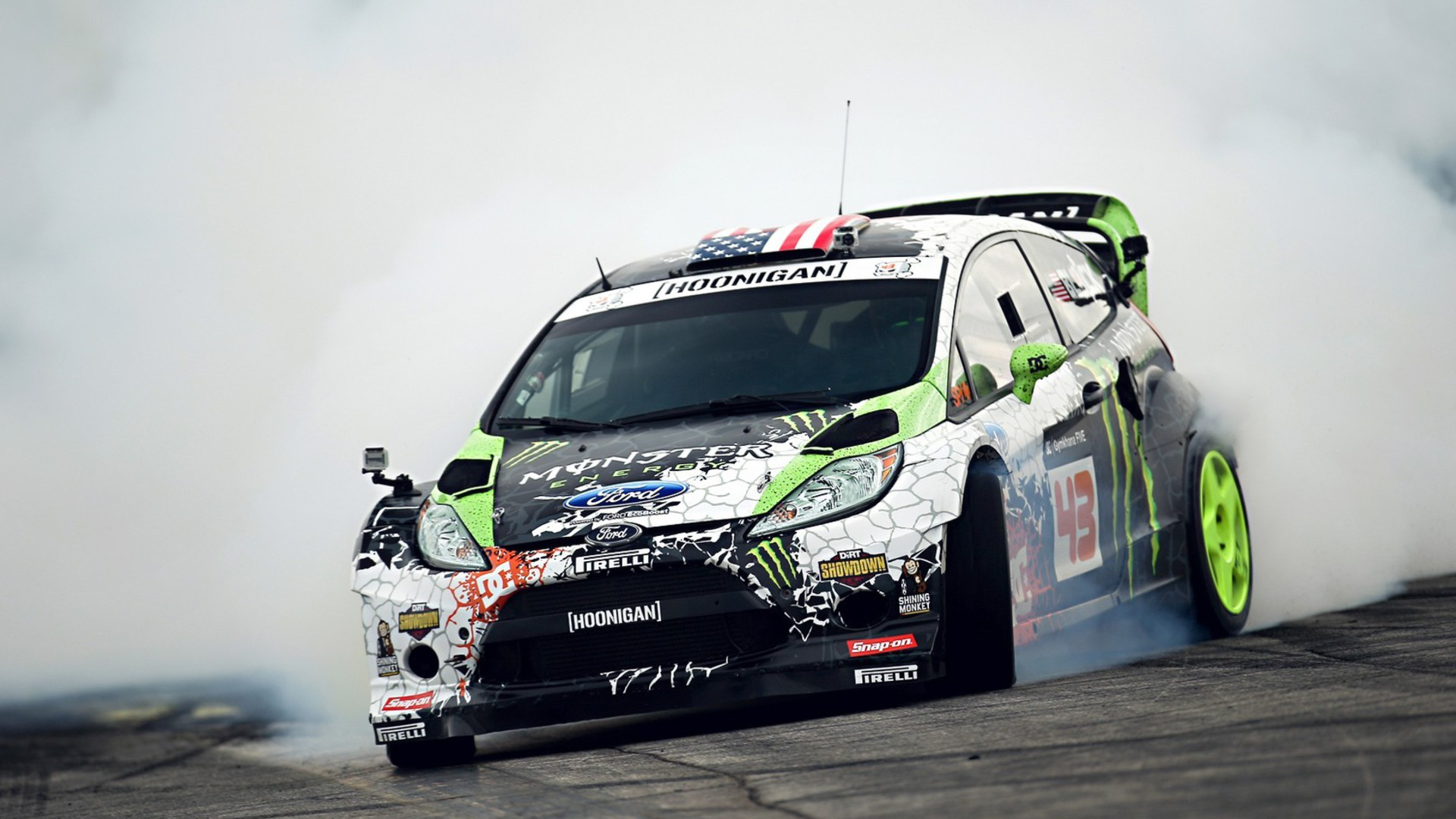 Ken Block Fiesta Monster Energy Treibende Drift Wallpaper