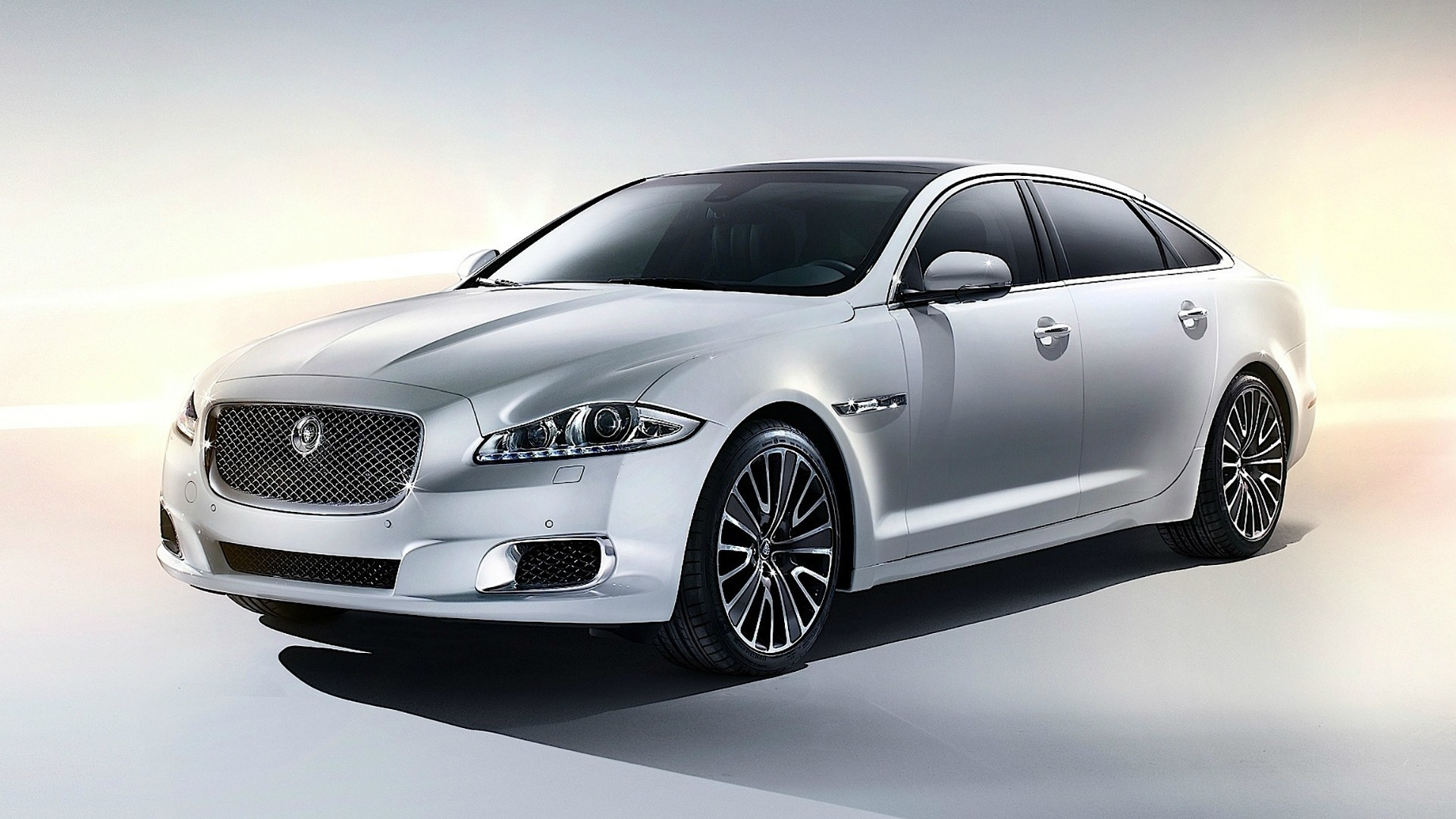 Jaguar Xj Cars Ultimate Wallpaper Allwallpaper In 3930 Pc En