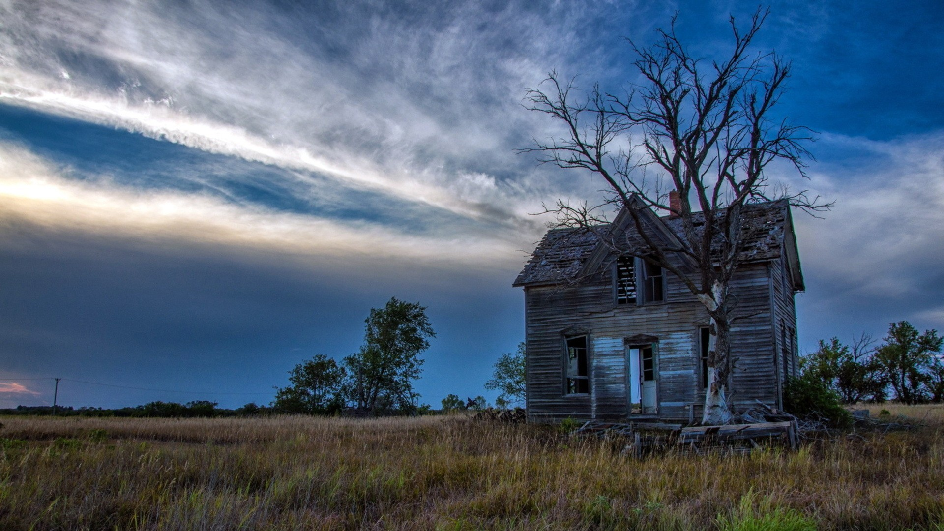 Old abandoned house wallpaper 600 pc en for Classic house wallpaper