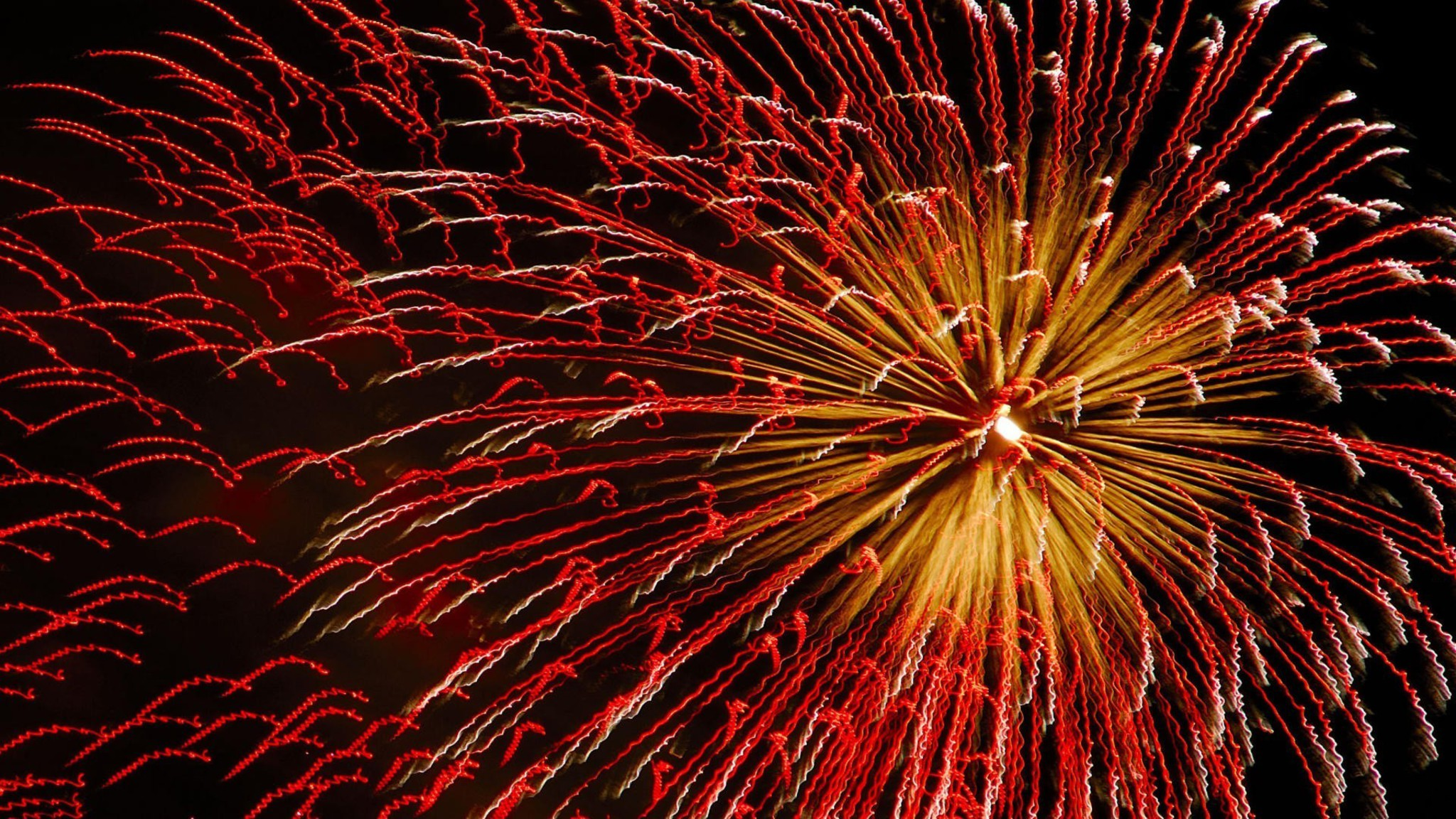 fireworks wallpaper 2048 x 1152 - photo #7