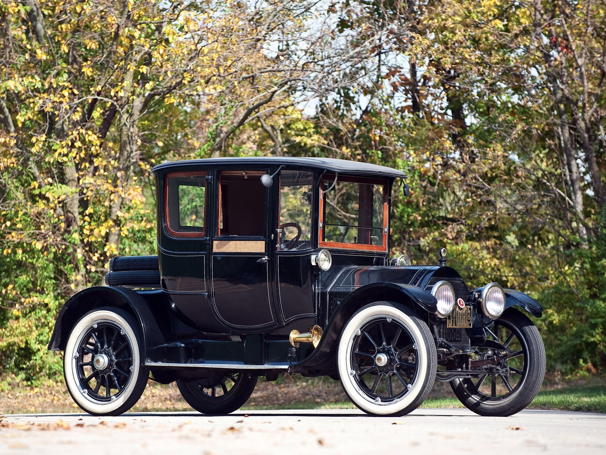 Cadillac Coupe 1913 Wallpaper