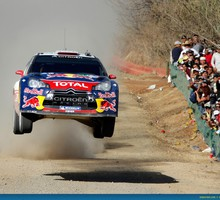 Citroën C4 sà © bastien Loeb voiture saut course  HD wallpaper