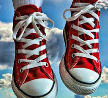 Clouds shoes converse hdr photography trainers HD wallpaper