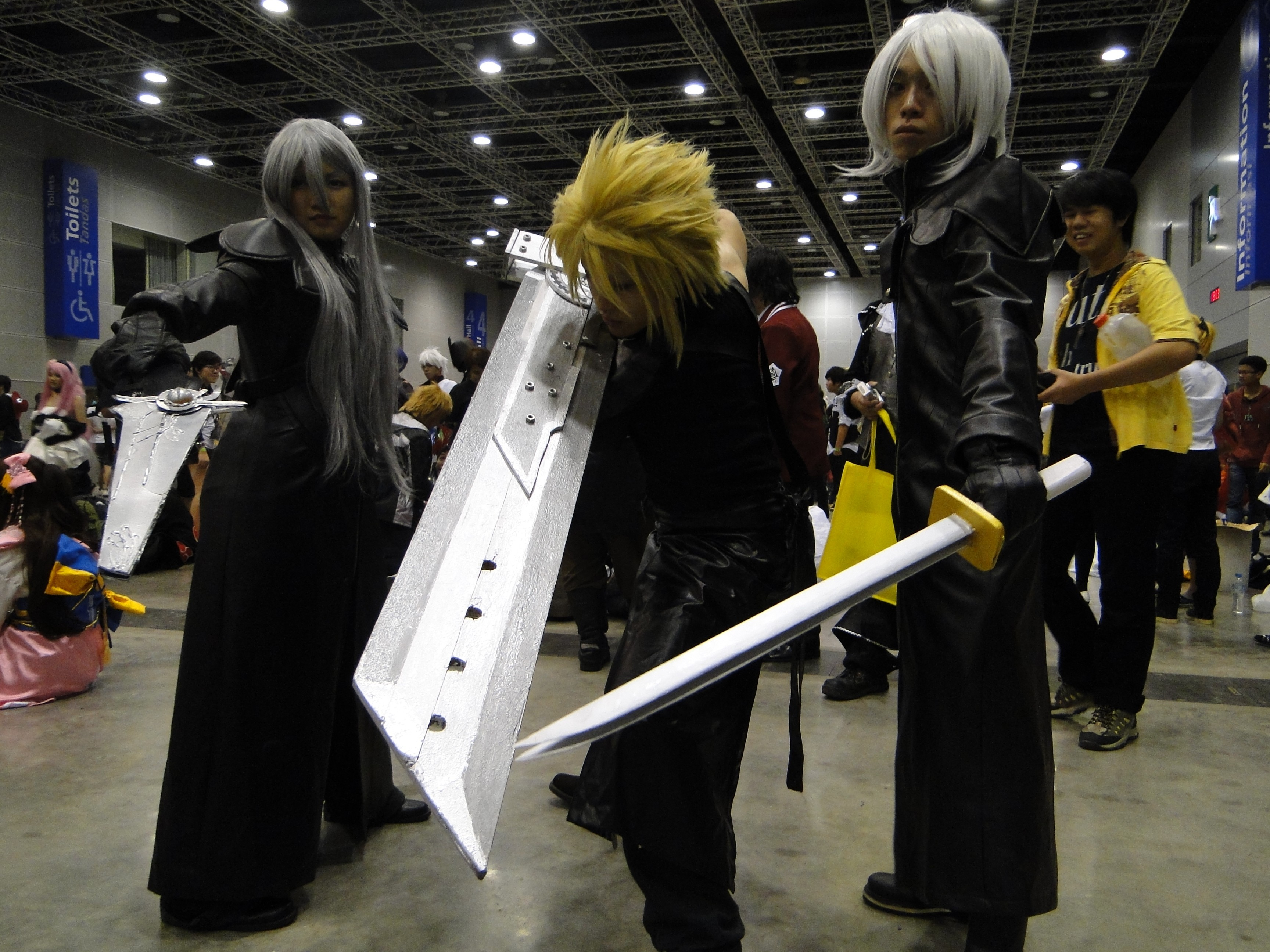 cloud strife final fantasy vii advent children cosplay