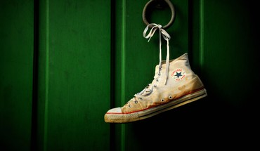 Converse all star green objects shoes HD wallpaper