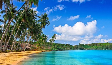 Breathtaking polynesian beach HD wallpaper