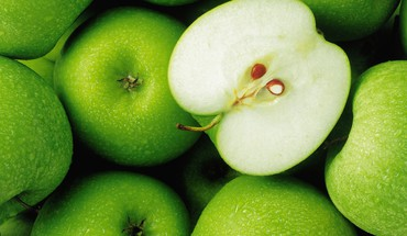 Green apples background HD wallpaper