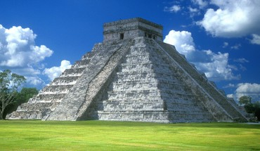 Chichen itza pyramid  HD wallpaper
