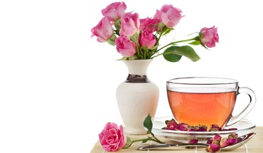 Roses and tea HD wallpaper