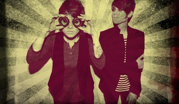 Tegan and Sara  HD wallpaper