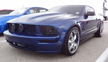 Cold blue mustang HD wallpaper