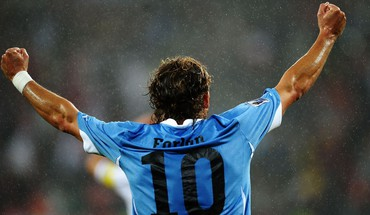 Diego fond Forlan  HD wallpaper