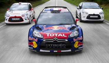 Roter Stier Citroen C4 WRC Rallye-Auto racing  HD wallpaper