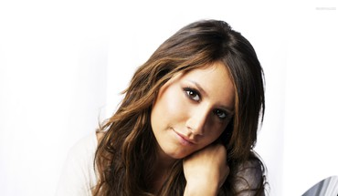 modèles femmes Ashley Tisdale  HD wallpaper