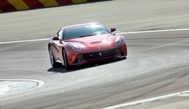 Ferrari F12 Berlinetta routes  HD wallpaper