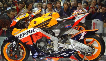 Bikes moto gp 2006 honda repsol cbr team HD wallpaper