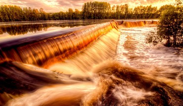 Golden river falls HD wallpaper