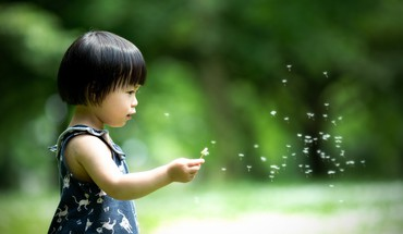 Asians bokeh dandelions straight hair blurred children HD wallpaper