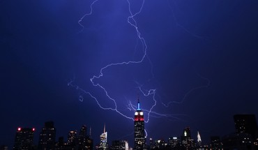 Storm empire state building lightning bolts HD wallpaper
