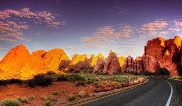 A road into canyon HD wallpaper