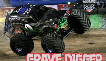 Voitures Monster Truck fossoyeur jam  HD wallpaper