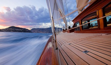 Sailing in the french riviera HD wallpaper