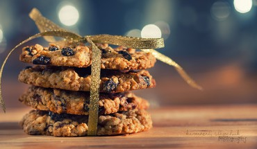 Food cookies ribbons bokeh HD wallpaper