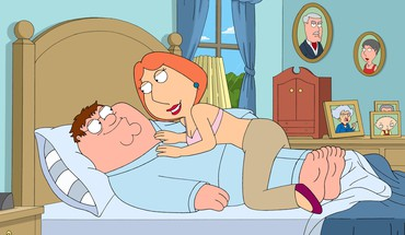 Family Guy peter Griffin Lois  HD wallpaper