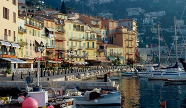 Morning on waterfront in nice france HD wallpaper