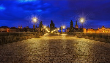 Superb charles bridge in prague at night HD wallpaper