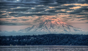 Majestic mount rainier at sunset hdr HD wallpaper