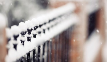 Depth of field fences snow winter HD wallpaper