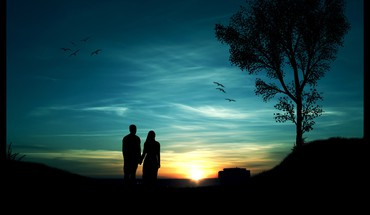 Couple enjoy sunset HD wallpaper