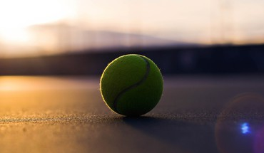 Tennis ball HD wallpaper