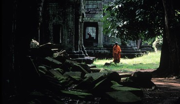 Landscapes ruins cambodia asia monk angkor wat temple HD wallpaper