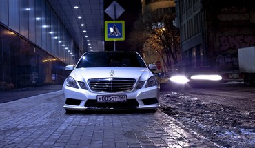 Mercedes benz e-class russia white HD wallpaper
