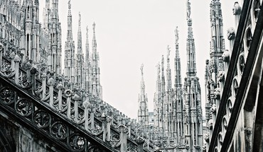Stairways italy cathedral milan city stone buildings HD wallpaper