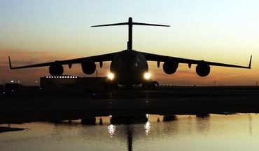 Sunset самолет C-17 Globemaster  HD wallpaper