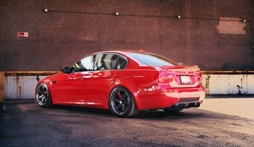 Red bmw m3 e90 HD wallpaper