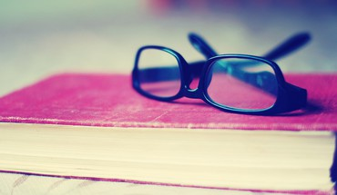 Glasses books funky HD wallpaper