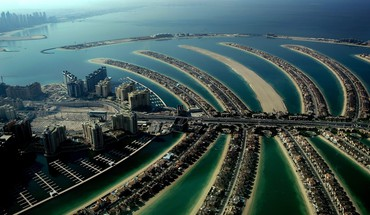 Dubai the palm jumeirah archipelago hotels manmade HD wallpaper