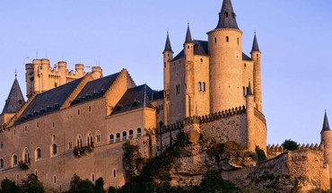 Mighty spanish castle HD wallpaper