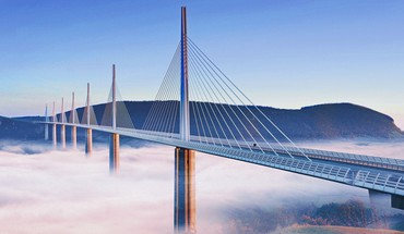 Fog on the magnificent bridge at millau france HD wallpaper