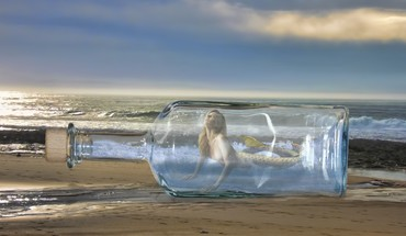 Beaches blondes bottled bottles digital art HD wallpaper