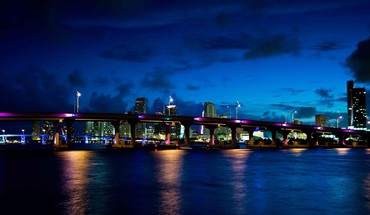 Miami at night HD wallpaper